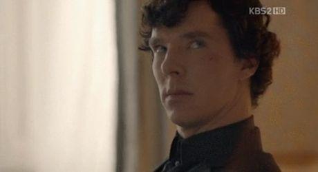 """""""Huyen thoai bien xanh"""" bi chi trich vi copy y tuong tu """"Sherlock""""? - Anh 10"""