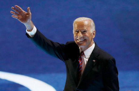 Phat sot voi hinh thoi tre cua ong Biden - Anh 2