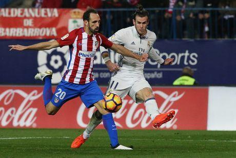 Ronaldo lap hat-trick, nhan chim Atletico Madrid - Anh 2