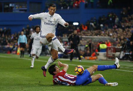 Ronaldo lap hat-trick, nhan chim Atletico Madrid - Anh 4