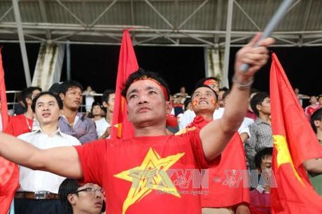 CDV Viet gap kho khi mua ve tran gap Myanmar - Anh 1