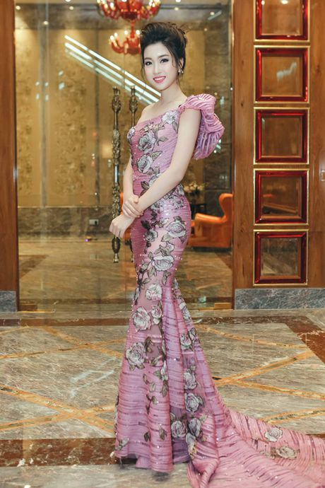 Hoa hau My Linh da trang, moi hong nhu bup be - Anh 2
