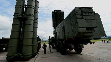 Tho Nhi Ky quyet tam mua S-400 cua Nga, NATO dung ngoi khong yen - Anh 1