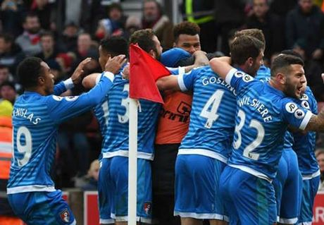 Stoke City - Bournemouth: Nghich ly dau long - Anh 1
