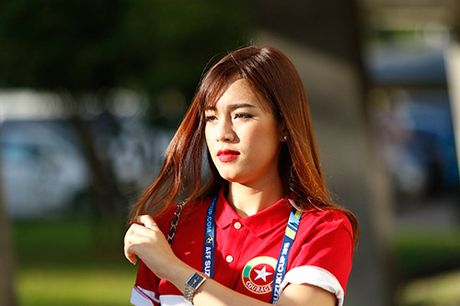 """Fan nu Viet Nam & Myanmar """"do sac"""" o dai chien AFF Cup - Anh 12"""