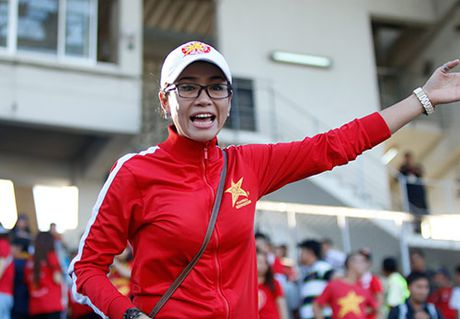 """Fan nu Viet Nam & Myanmar """"do sac"""" o dai chien AFF Cup - Anh 2"""
