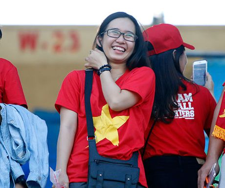 """Fan nu Viet Nam & Myanmar """"do sac"""" o dai chien AFF Cup - Anh 4"""