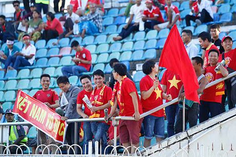 """Fan nu Viet Nam & Myanmar """"do sac"""" o dai chien AFF Cup - Anh 8"""