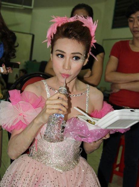 Xot xa hinh anh sao Viet 'an bo ngu bui' cung kho nhu ai (1) → Midu noi gi khi Phan Thanh viet loi yeu tren trang ca nhan? - Anh 10