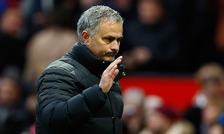 Mourinho than troi vi Man Utd qua den - Anh 1