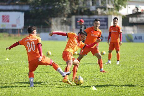 HLV Huu Thang giai 'bai toan' khong co Tuan Anh - Anh 1
