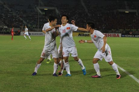Myanmar vs Viet Nam (1-2, hiep 2): Cong Vinh lap cong - Anh 1