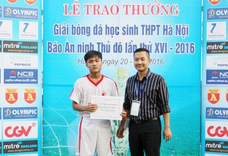 Khoanh khac vinh danh tai giai bong da hoc sinh THPT Ha Noi 2016 - Anh 12