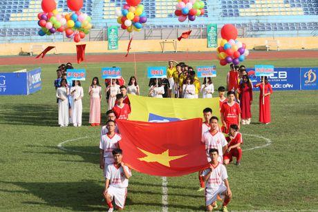 Khoanh khac vinh danh tai giai bong da hoc sinh THPT Ha Noi 2016 - Anh 1