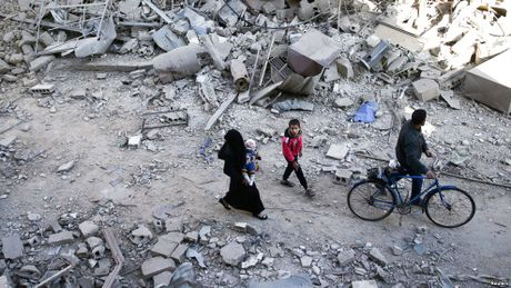 Quan doi Syria, Nga khong kich du doi vao khu vuc cua phe noi day o Aleppo - Anh 1