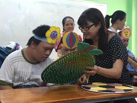 Xuc dong le 20/11 cua cac co giao o ngoi truong chuyen biet - Anh 3