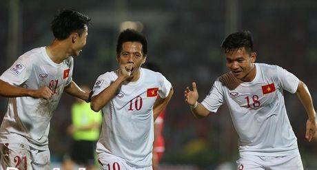Cong Vinh lap cong, DTVN vuot qua Myanmar trong tran cau suot mo hoi - Anh 1