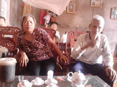 Phu Tho: Nghen long chuyen doi cua co giao 70 tuoi chi co 3 nam dung tren buc giang - Anh 3