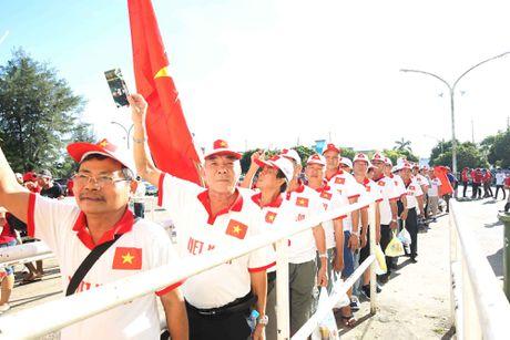 Truc tiep Viet Nam – Myanmar: 'Quan bai trong tay ao' Huu Thang - Anh 2