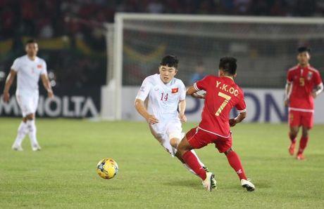 Cong Vinh ghi ban thang thu 50, thay tro Huu Thang nhoc nhan 'vuot ai' - Anh 3