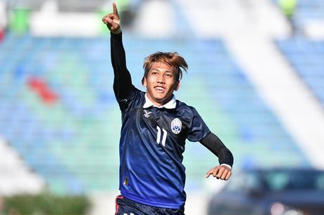 Malaysia nguoc dong ha guc Campuchia 3-2 - Anh 1