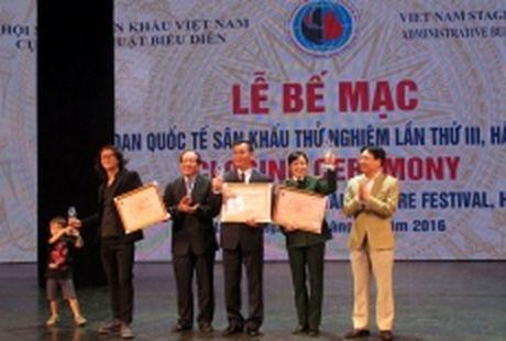 'Mua' giai thuong tai Lien hoan san khau thu nghiem quoc te lan thu 3 - Anh 1