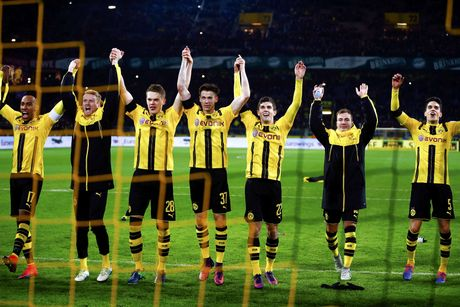 Aubameyang toa sang giup Dortmund ha guc Bayern - Anh 9