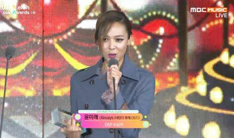 EXO, BTS thong tri le trao giai trong dem bieu tinh o Han - Anh 9