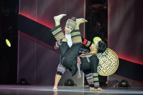 Khanh Thi lang nguoi vi bai nhay khac hoa bao lu mien Trung - Anh 5