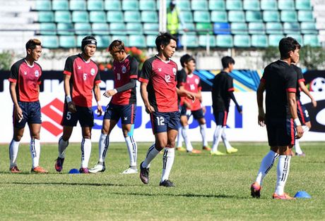 Malaysia vs Campuchia (3-2): Nguoc dong an tuong - Anh 15