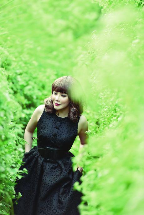 Album cua Ho Quynh Huong bi duoi suc tren BXH Zing - Anh 1