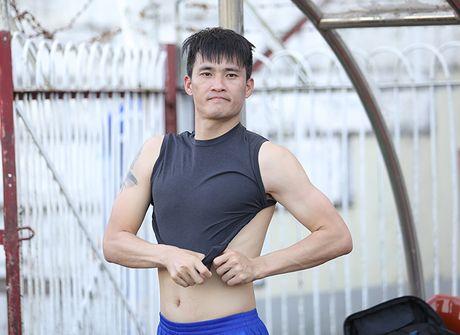 Cong Vinh the luc sung man, san sang 'ban ha' Myanmar - Anh 1