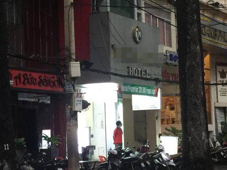 Mot Viet kieu tu vong bat thuong trong khach san - Anh 1