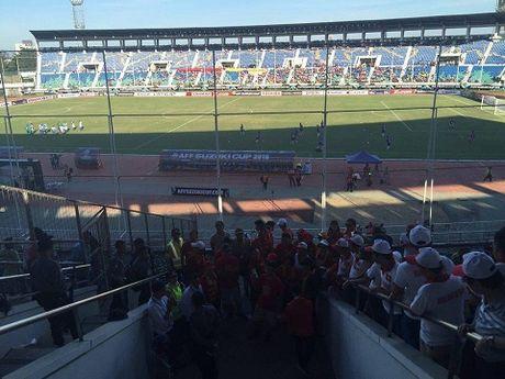 TRUC TIEP Myanmar 0-0 Viet Nam: Cong Vinh va Van Quyet da chinh, Cong Phuong va Thanh Luong du bi (Hiep 1) - Anh 10
