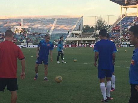 TRUC TIEP Myanmar 0-0 Viet Nam: Cong Vinh va Van Quyet da chinh, Cong Phuong va Thanh Luong du bi (Hiep 1) - Anh 6