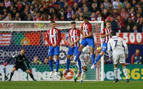 Toan canh chien thang hoanh trang cua Real truoc Atletico Madrid - Anh 4