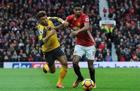 Cham diem MU 1-1 Arsenal: 'Nguoi hung' Giroud che mo 'bom tan' Pogba - Anh 12