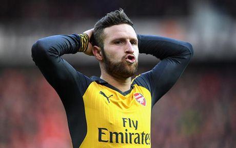 Cham diem MU 1-1 Arsenal: 'Nguoi hung' Giroud che mo 'bom tan' Pogba - Anh 16