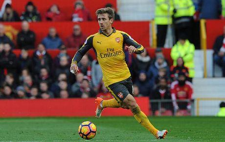 Cham diem MU 1-1 Arsenal: 'Nguoi hung' Giroud che mo 'bom tan' Pogba - Anh 18