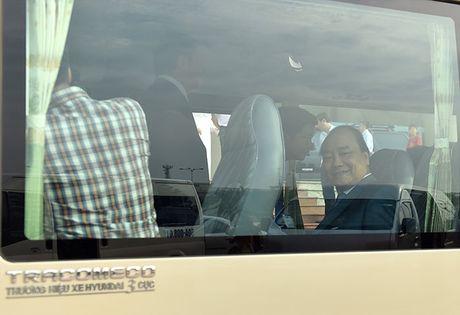Hinh anh: Thu tuong tham quan DH Quoc gia TPHCM bang xe khach - Anh 3