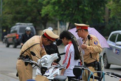 TS.Le Hong Son: Phat xe khong chinh chu the nao cho dung? - Anh 1
