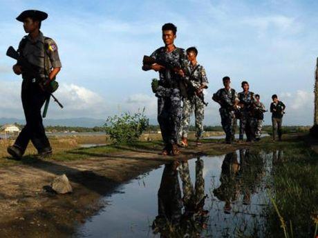 Giao tranh du doi Bac Myanmar, bom lac sang Trung Quoc - Anh 2