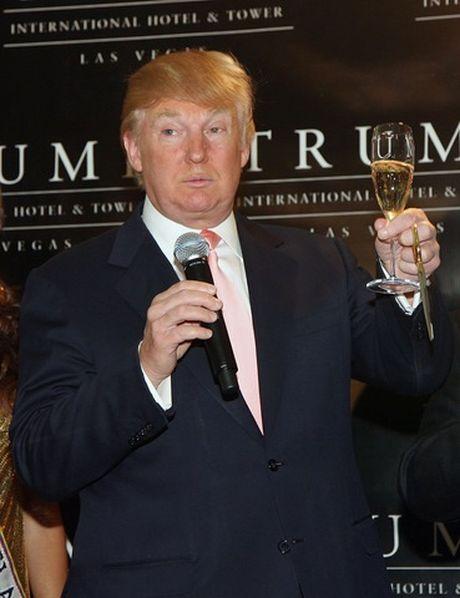 Vi sao Trump khong bao gio uong giot ruou nao? - Anh 1