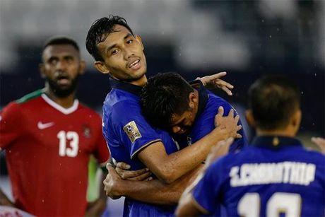 DT Thai Lan ngan ngam truoc suc manh cua Singapore tai AFF Cup 2016 - Anh 1