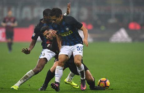 Pioli ra mat, Inter choi tro 'ruot duoi ty so' voi Milan - Anh 2