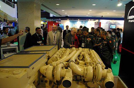 Kho tin: Phap san xuat dong co 'khung' cho xe tang T-72 - Anh 6