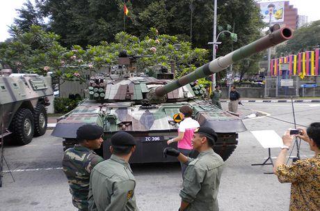 Kho tin: Phap san xuat dong co 'khung' cho xe tang T-72 - Anh 7