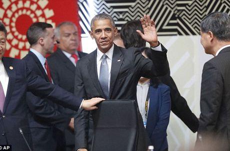 Tong thong Putin bat tay ho hung voi TT Obama tai APEC - Anh 5