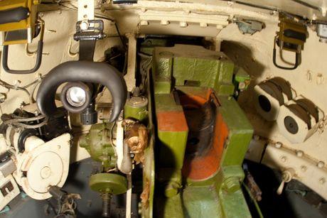 Hoang hon canh xe tang T-34-85 tac chien o Yemen - Anh 4