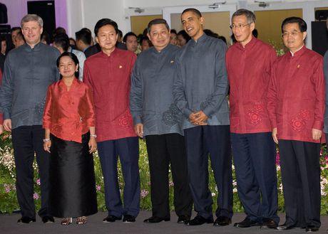 Chiem nguong trang phuc truyen thong tai cac hoi nghi APEC - Anh 10